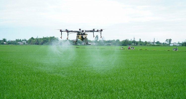 Vietnam Will Manufacture Drones To Spray Pesticides